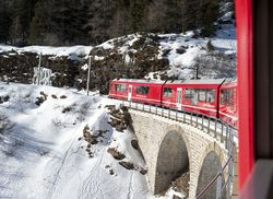 Bernina red zum Klettern im Schnee